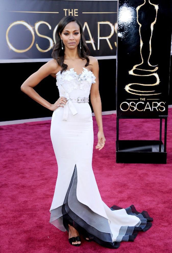Zoe Saldana, le blanc lui va si bien et ressort sur red carpet !