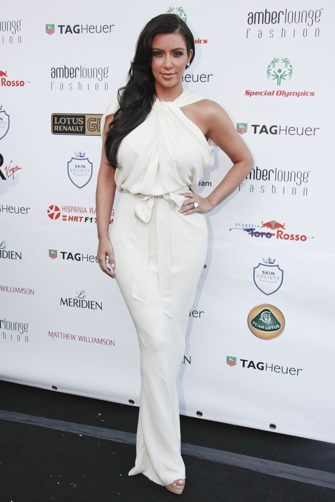 Kim Kardashian : une robe drapée style vestale de chez Lanvin !