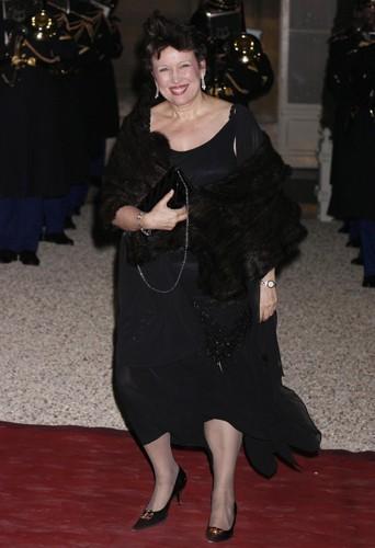 Roselyne Bachelot dans une petite robe noire