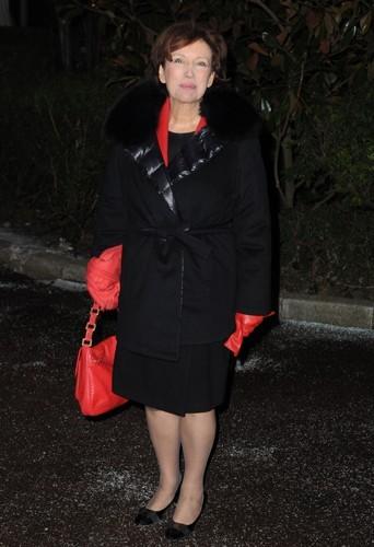 Roselyne Bachelot trés chic en rouge et noir