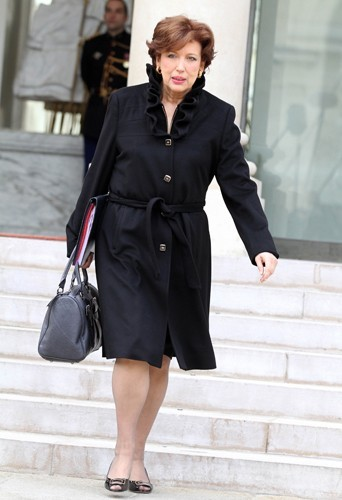 Roselyne Bachelot trés élégante