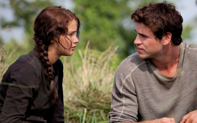 Jennifer Lawrence et Liam Hemsworth dans Hunger Games