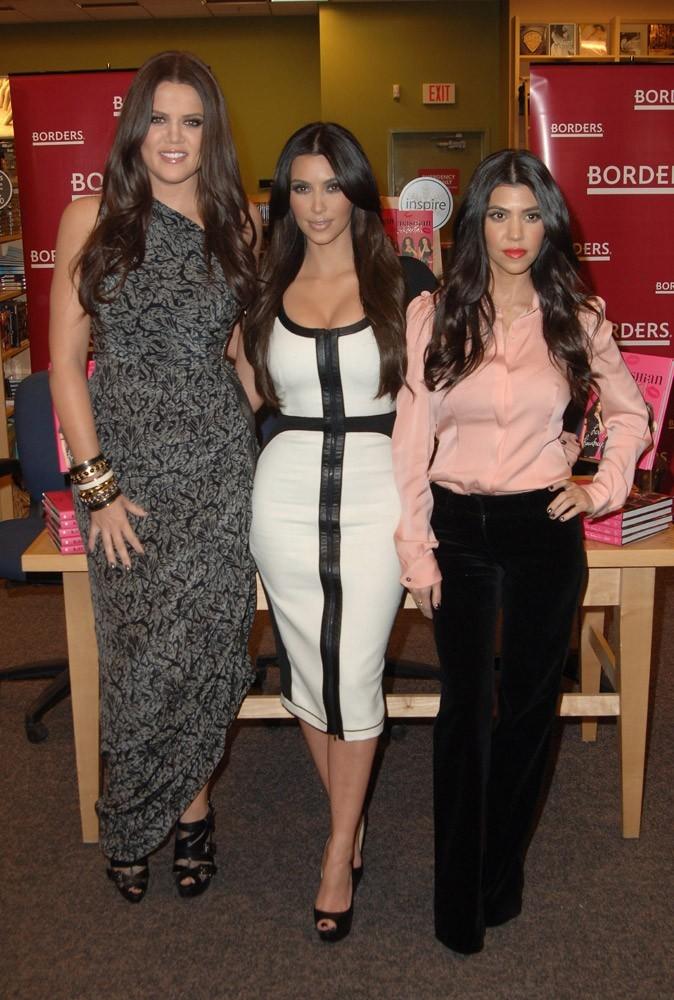 Mode : les soeurs Kardashian vous présentent leurs créations K-Dash by Kardashian !