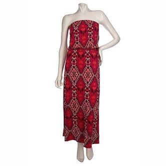 Mode : une robe ethnique rouge signée K-Dash by Kardashian