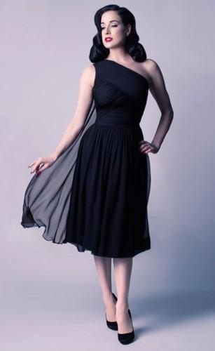 La robe Follow Me collection Dita Von Teese, 770 euros