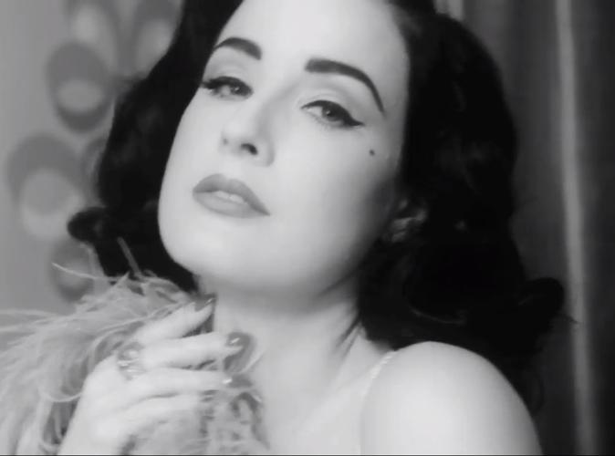 Dita Von Teese, burlesque et sexy pour la nouvelle collection Von Follies 2013