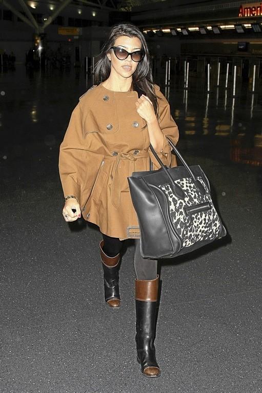 Kourtney Kardashian porte le sac Luggage de Céline