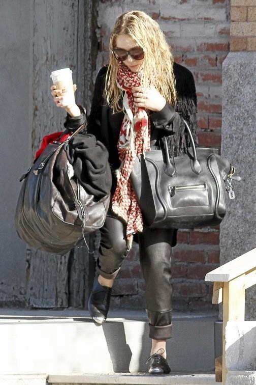 Mary-Kate Olsen porte le sac Luggage de Céline