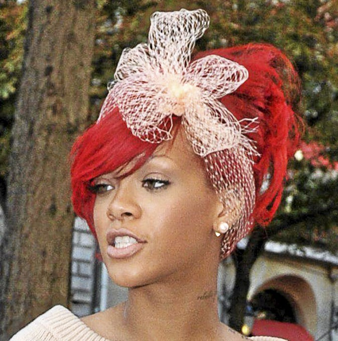 Le headband noeud de Rihanna !