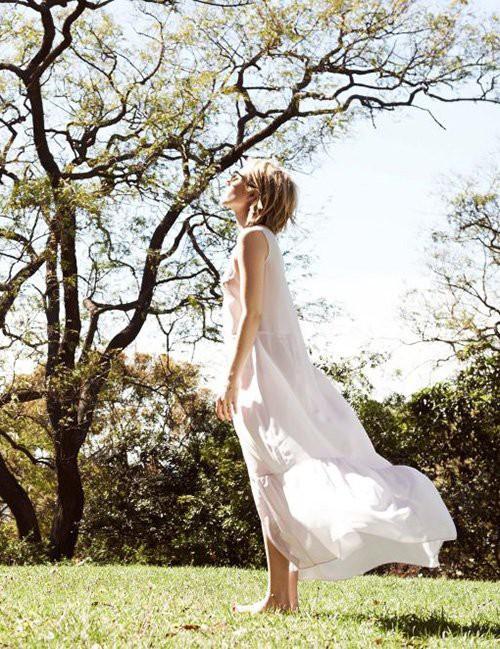 Emma Roberts pour Elkin