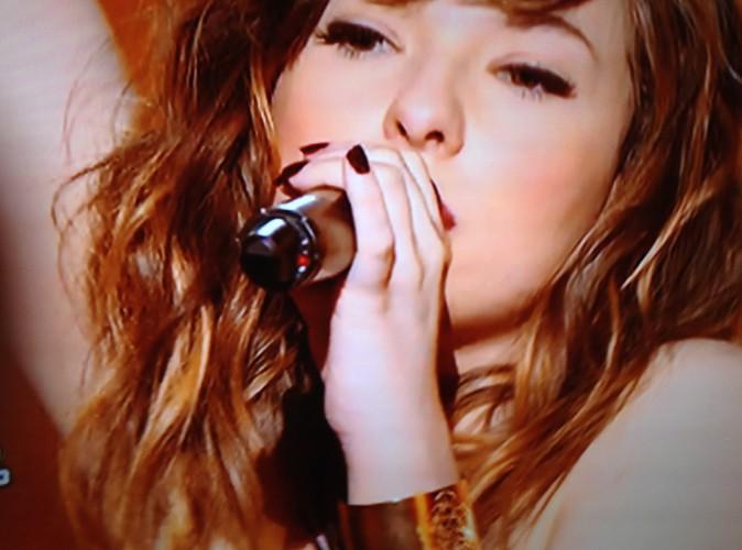 Natacha Andréani, candidate de The Voice dans l'équipe de Garou, porte la manchette Tigre dorée signée Léone !