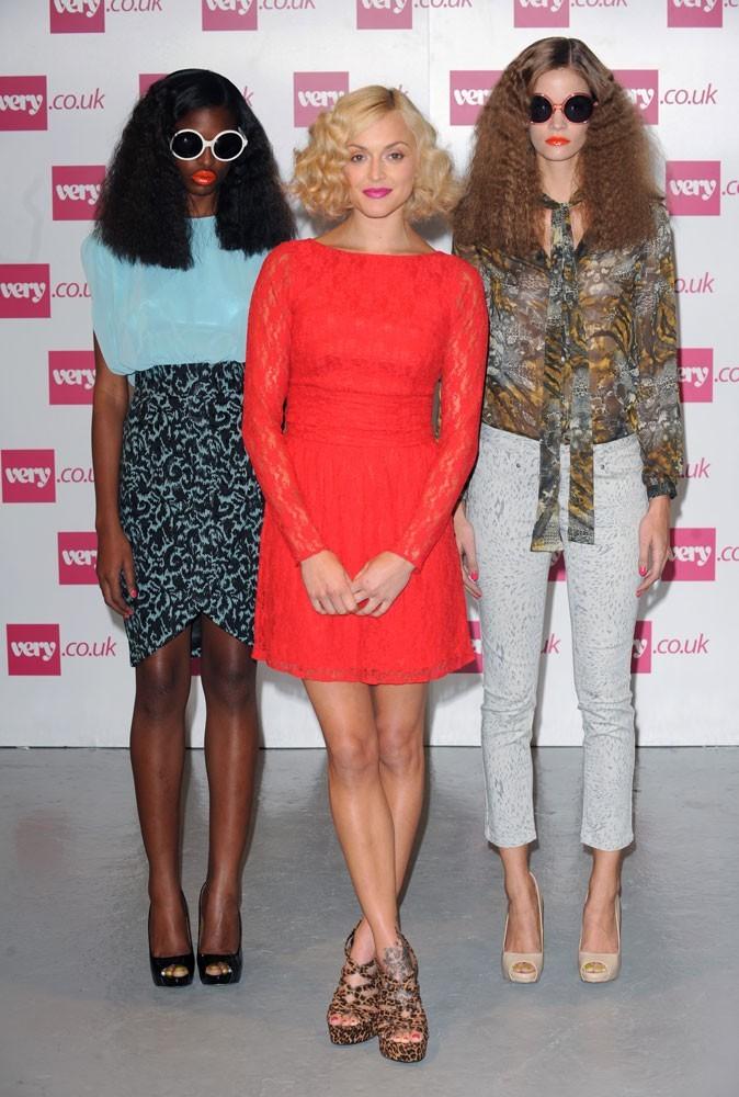 Fearne Cotton entourée de ses modèles après le show !