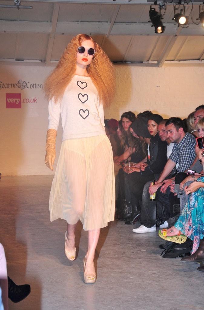 Fearne Cotton x Very : un sweat à coeurs et une jupe en tulle transparente !