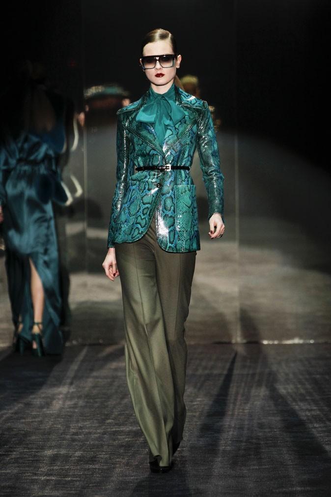 Mode : une chemise rétro au défilé automne-hiver 2011/2012 Gucci