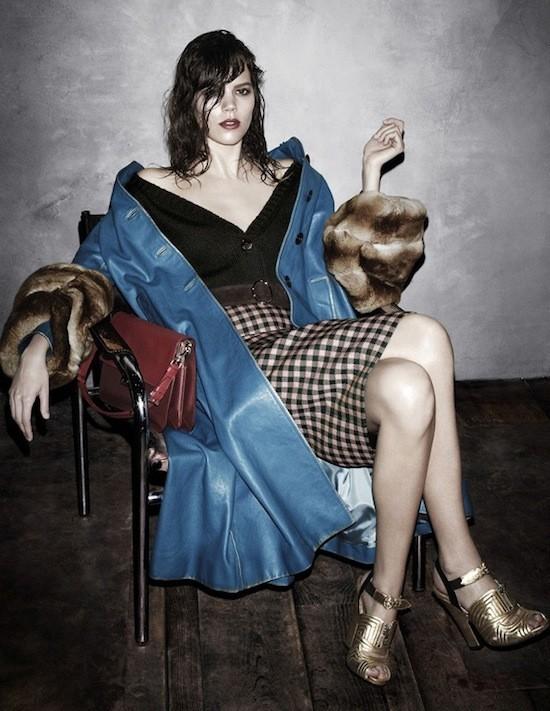 La maison Prada se la joue ultra-ténébreuse pour sa nouvelle campagne !