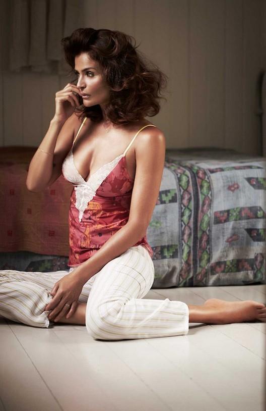Helena Christensen collabore avec Triumph