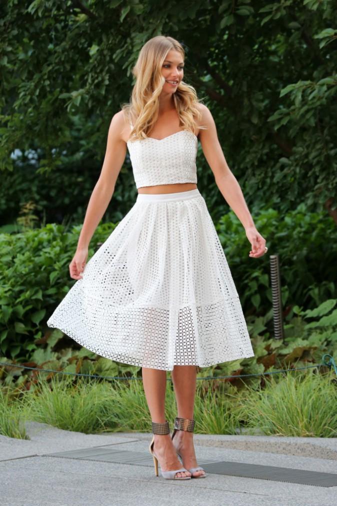 Jessica Hart : souriante et estivale pour un shooting à New York !