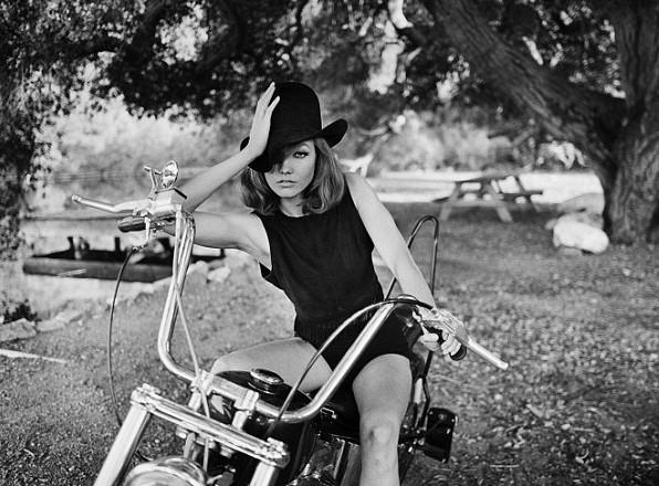"""Karlie Kloss : une vraie """"Kowboy"""" pour Tamara Mellon !"""