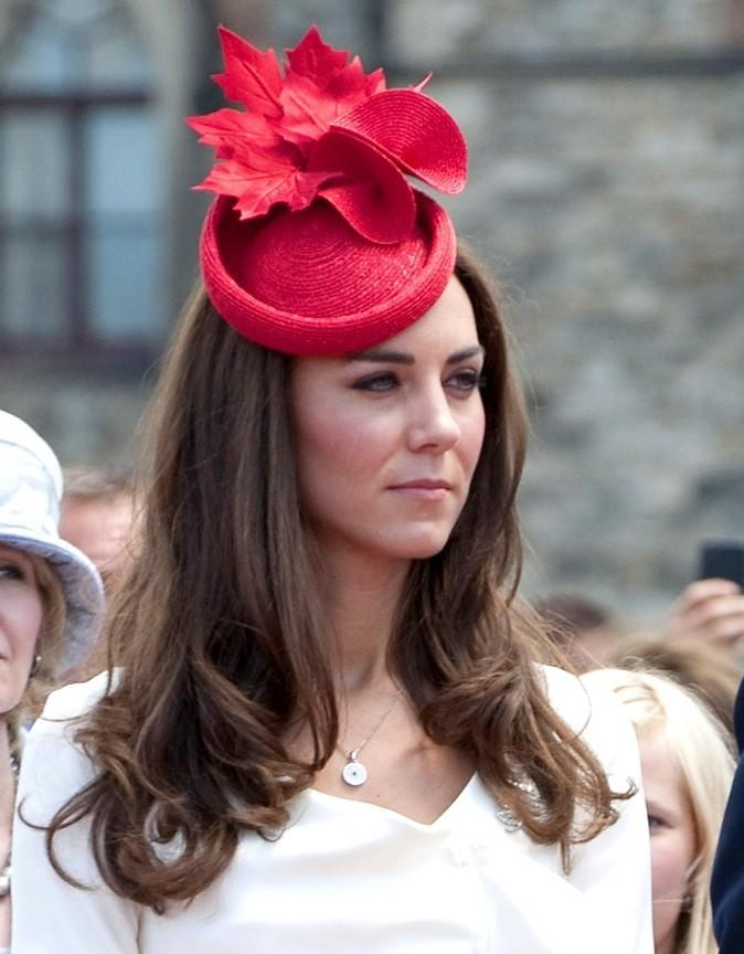 Petit chapeau rouge chic
