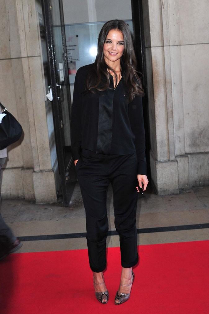Katie Holmes au défilé Armani à Paris !