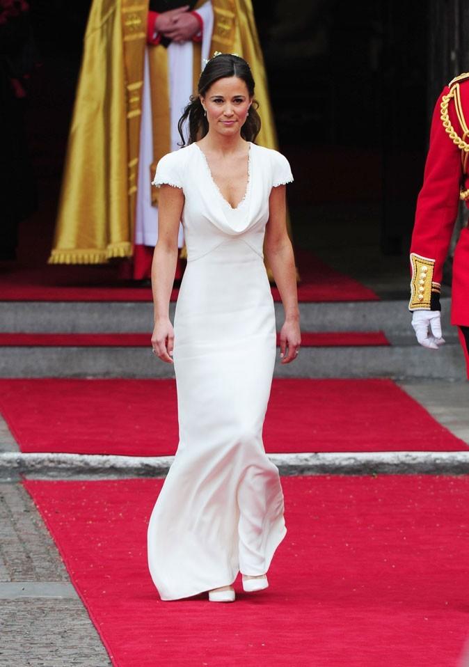 La robe qui les a rendues célèbres, elle et ses fesses !