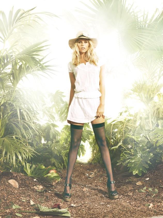 Alexandra Richards pose pour Tally Weijl, campagne printemps été 2011