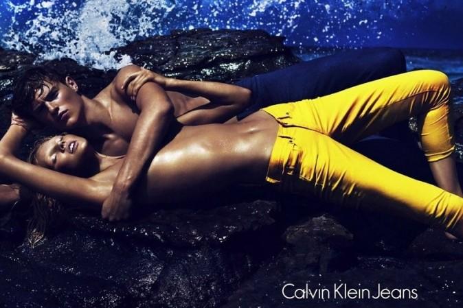 Toni Garrn et Matthew Terry pour la nouvelle campagne printemps-été 2012 de Calvin Klein Jeans