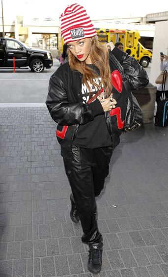 Le bonnet du 16/02/2013 porté par Rihanna : chic ou swag ?