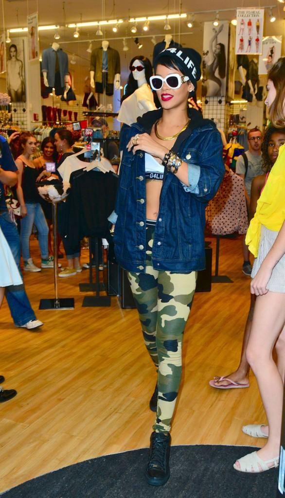 Le bonnet du 20/08/2013 porté par Rihanna : chic ou swag ?