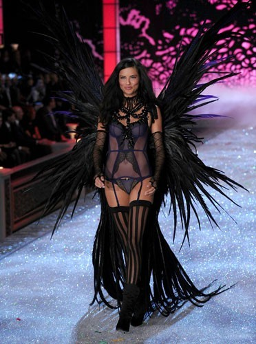 L'ange gothique de Victoria's Secret