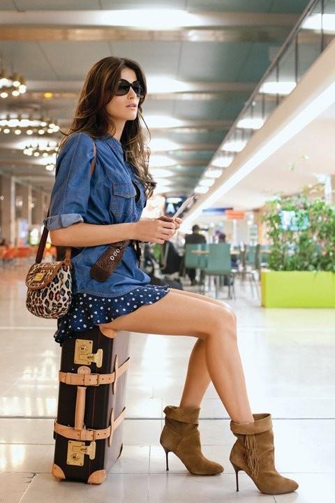 Mode : Isabeli Fontana est au top pour la campagne printemps-été 2011 Mango !