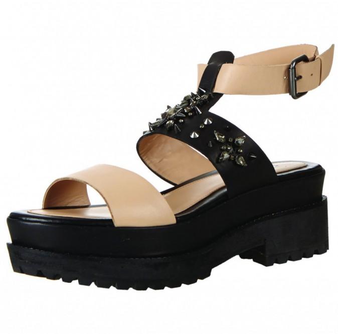 Sandales cloutées, Topshop, 59€