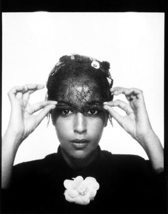 Photomaton de Karl Lagerfeld au dîner de l'amfAR : Leïla Bekhti !