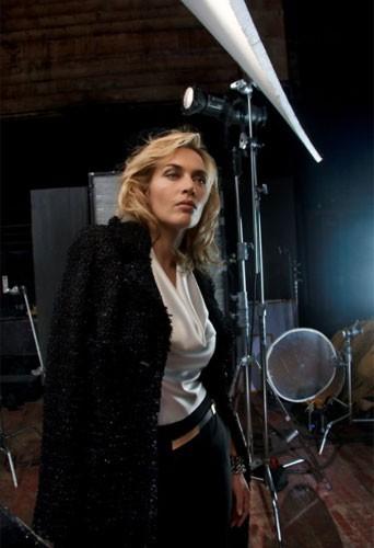 Une image du making-of de la campagne de Kate Winslet pour St. John !