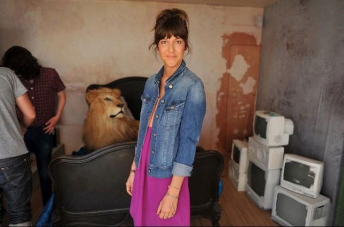 Mode : Daphné Burki prend la pose pour Lee pendant le Festival de Cannes 2011 !