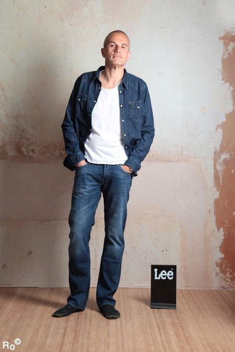 Mode : Laurent Weil prend la pose pour Lee pendant le Festival de Cannes 2011 !