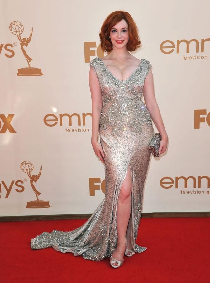 Tout ce qui brille : la robe fendue et strassée de Christina Hendricks (Mad Men) !