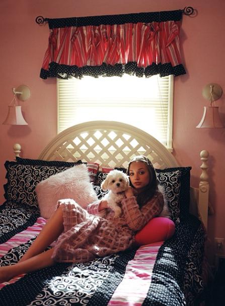 Mode : Maddie Ziegler : la jeune danseuse du clip de Sia prend la pose pour Elle Usa !
