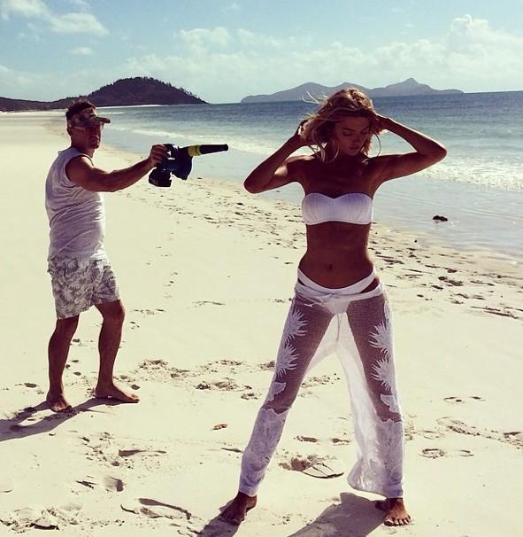 Mode : Martha Hunt : l'Ange de Victoria's Secret pose pour les maillots de bain Seafolly !