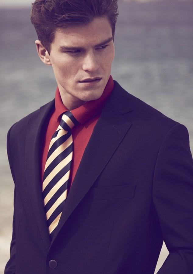 Oliver Cheshire pour la collection printemps-été 2012 de Marks & Spencer