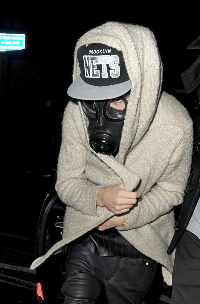 >> Justin Bieber : masque à gaz, prêt, partez !