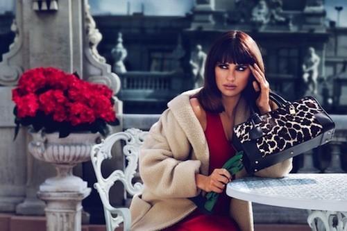Mode : Penelope & Monica Cruz: un duo riche en sex-appeal pour Loewe !