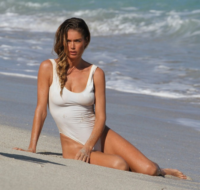 Mode : Photos : Absolument sexy lors d'un shooting sur la plage de Miami !