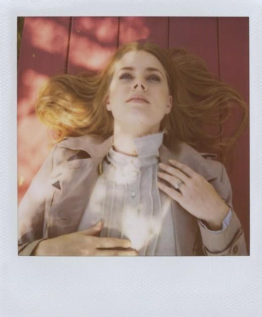 Amy Adams pour Scott Sternberg's Polaroid
