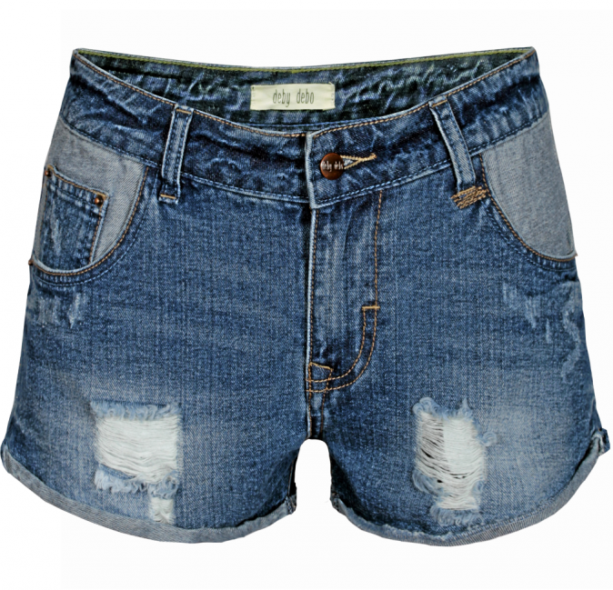 Ses must-have : Un shorty en jean (Deby Debo 70 €)