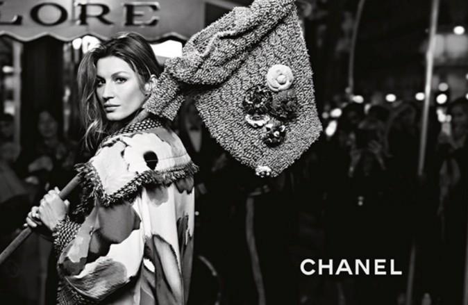 Mode : Photos : Gisele Bündchen : elle part à la conquête de Paris pour Chanel !