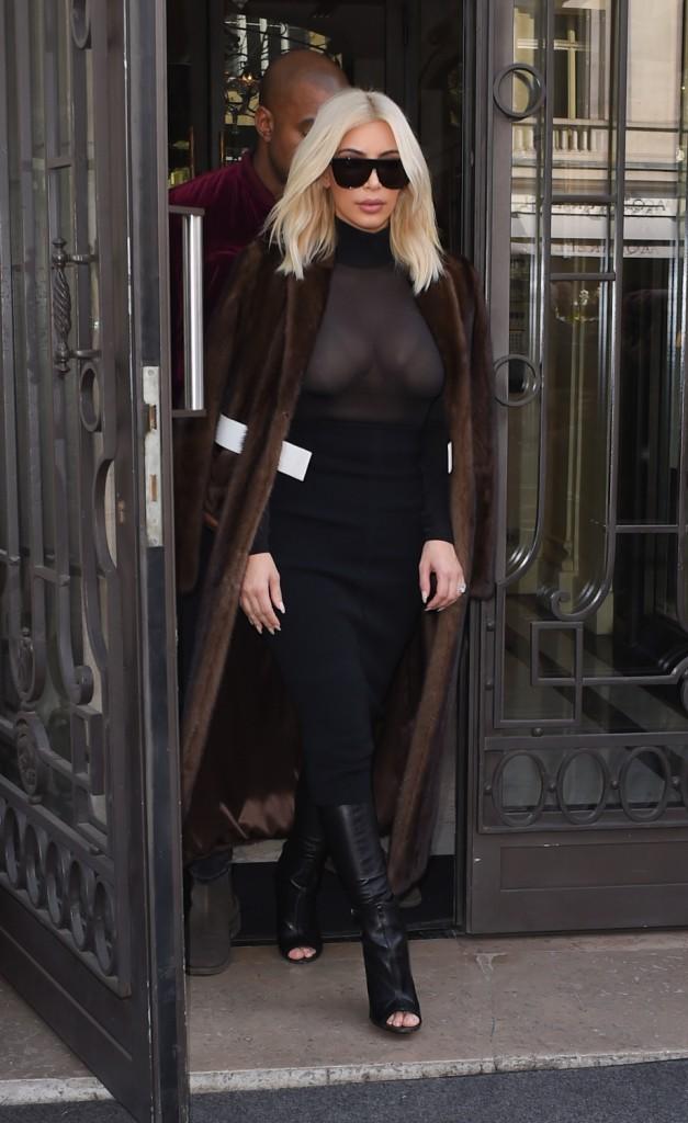 10/03/2015 : Fourrure et maxi lunettes pour Kim !