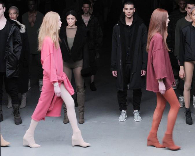 Mode : Photos : Kanye West x Adidas : exit Kendall, le rappeur fait défiler Kylie Jenner !