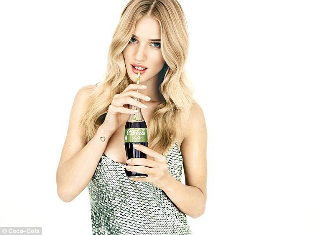 Mode : Photos : Rosie Huntington-Whiteley : égérie green pour Coca-Cola Life !