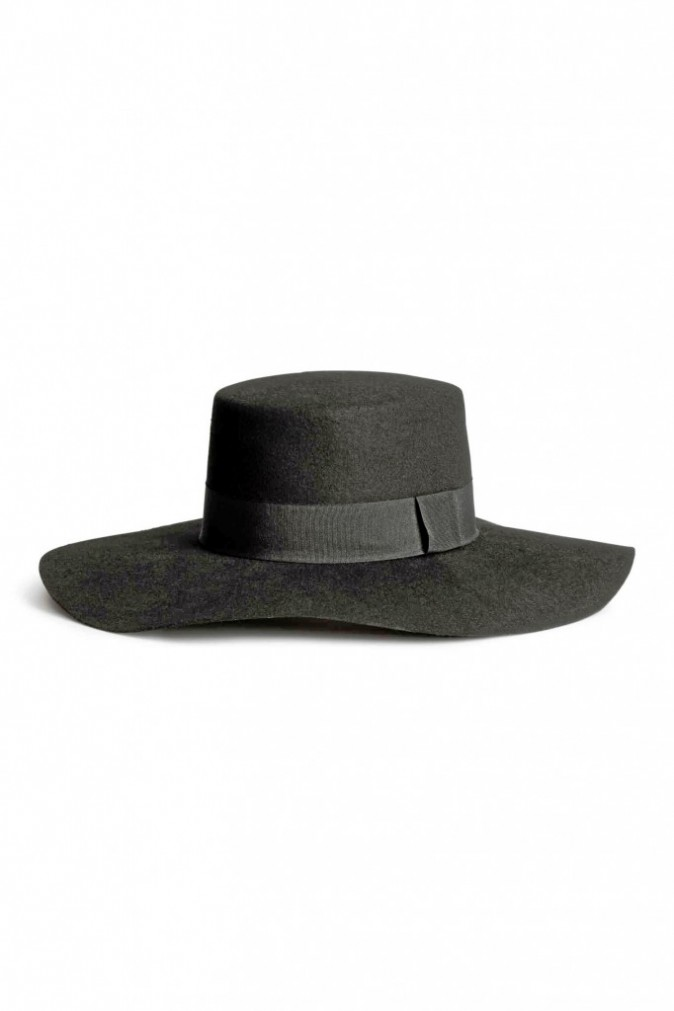 Chapeau, H&M. 19,99 €